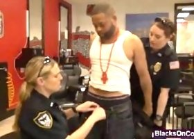 Robbery suspect arrested and fucked by female officers