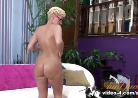 Taylor Lynn in Amateur Movie - AuntJudys