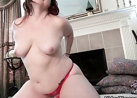 My favorite videos of chubby milf Jewels
