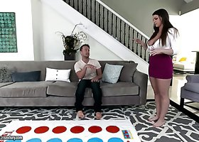 Bootygirl girl Brooklyn Chase boned brutally in a doggy position